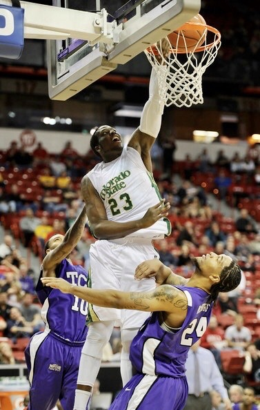 Will Bell dunking